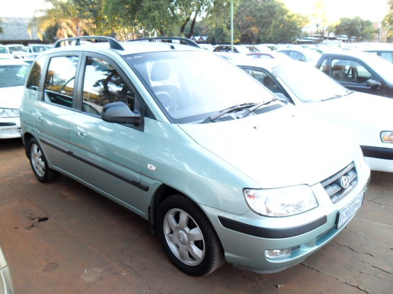 HYUNDAI MATRIX green