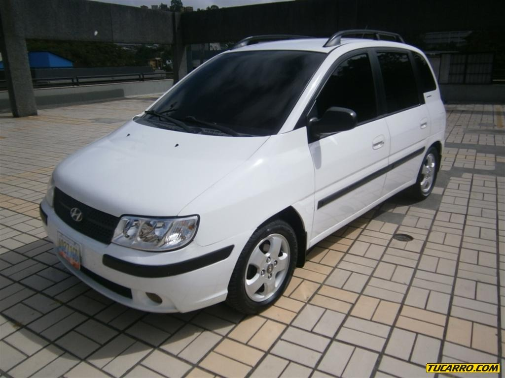 HYUNDAI MATRIX white