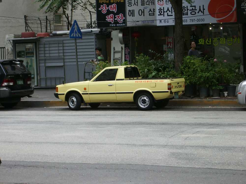 HYUNDAI PONY PICKUP white