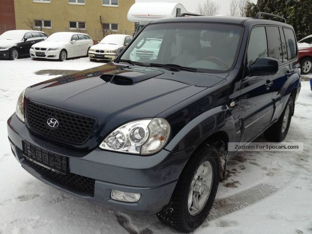 HYUNDAI TERRACAN 2.9 CRDI red