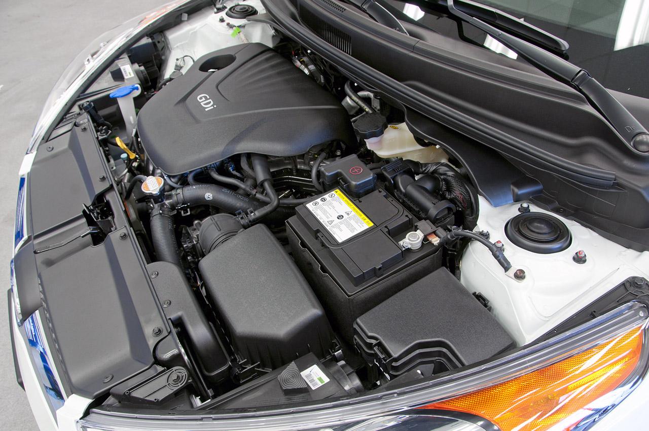 HYUNDAI VELOSTER engine
