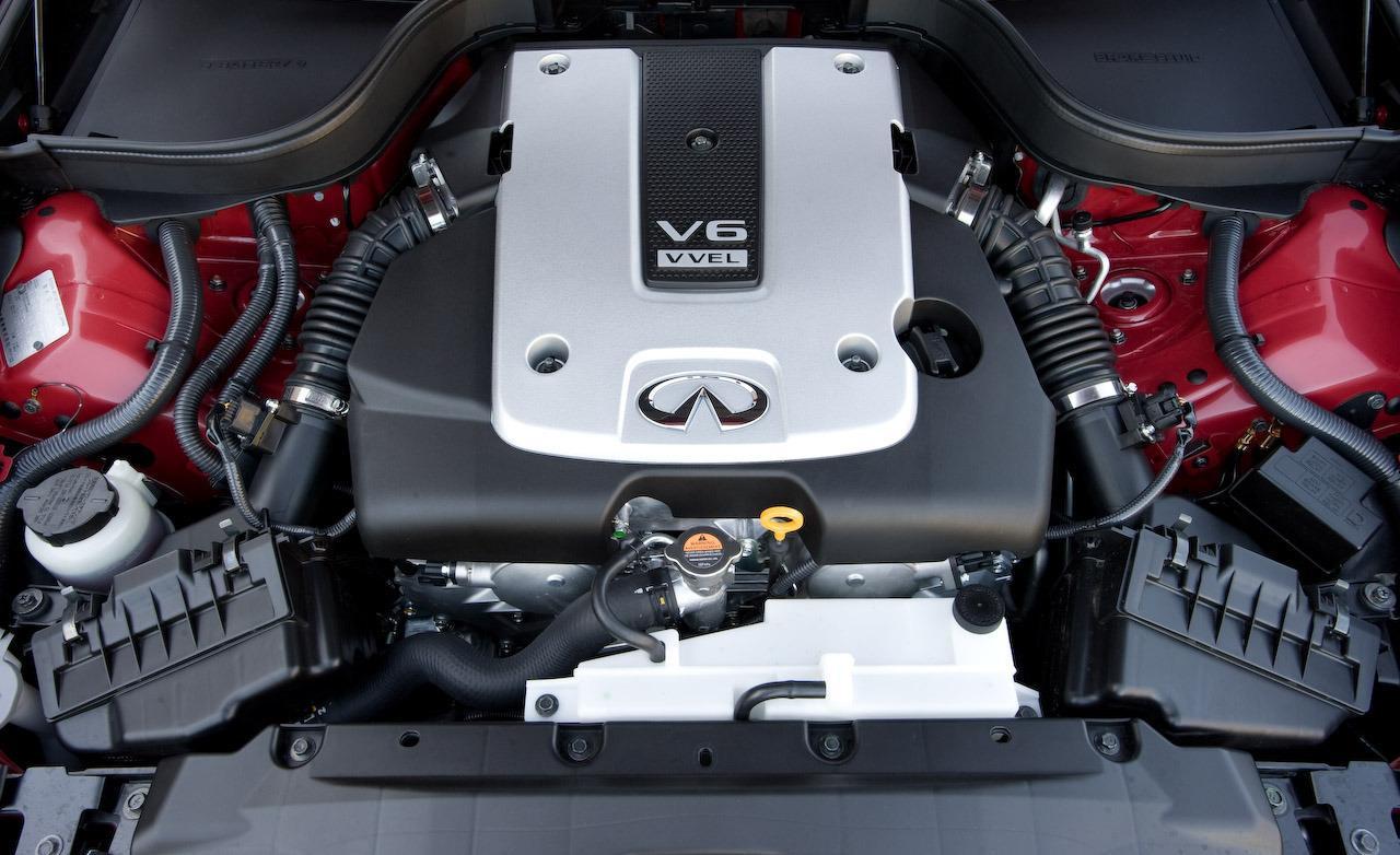INFINITI M 37 engine