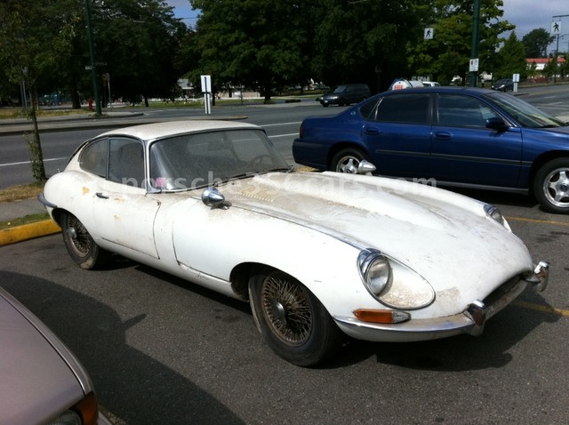 JAGUAR E-TYPE white