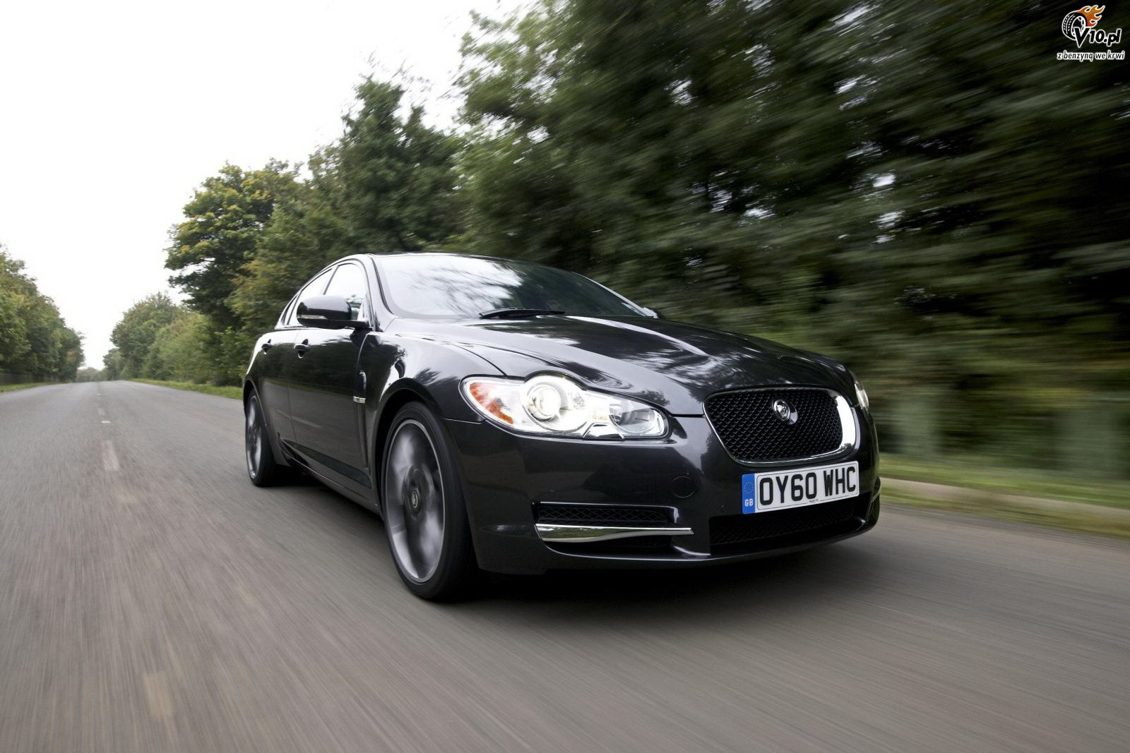 JAGUAR XF 10 black