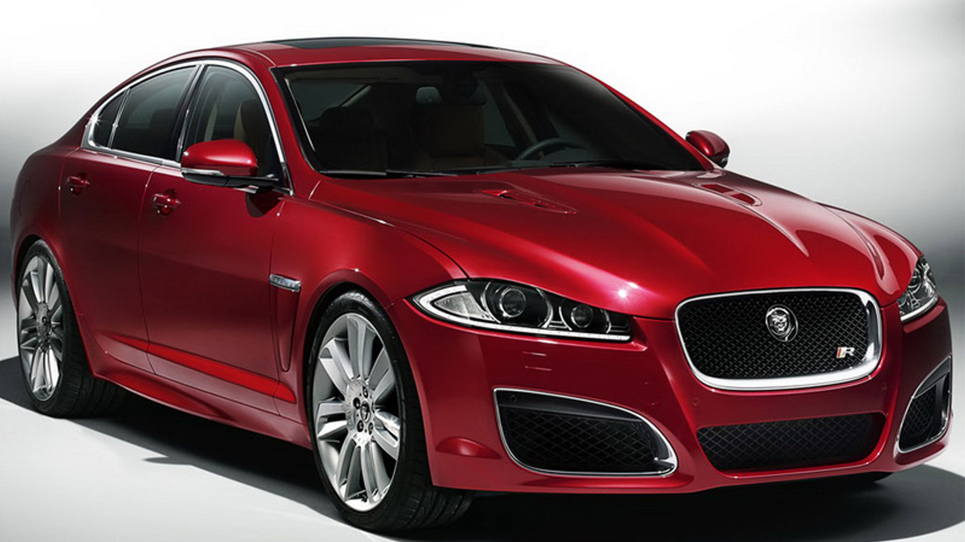 JAGUAR XF 10 red