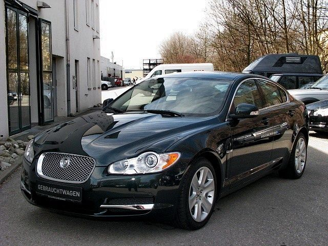 JAGUAR XF green