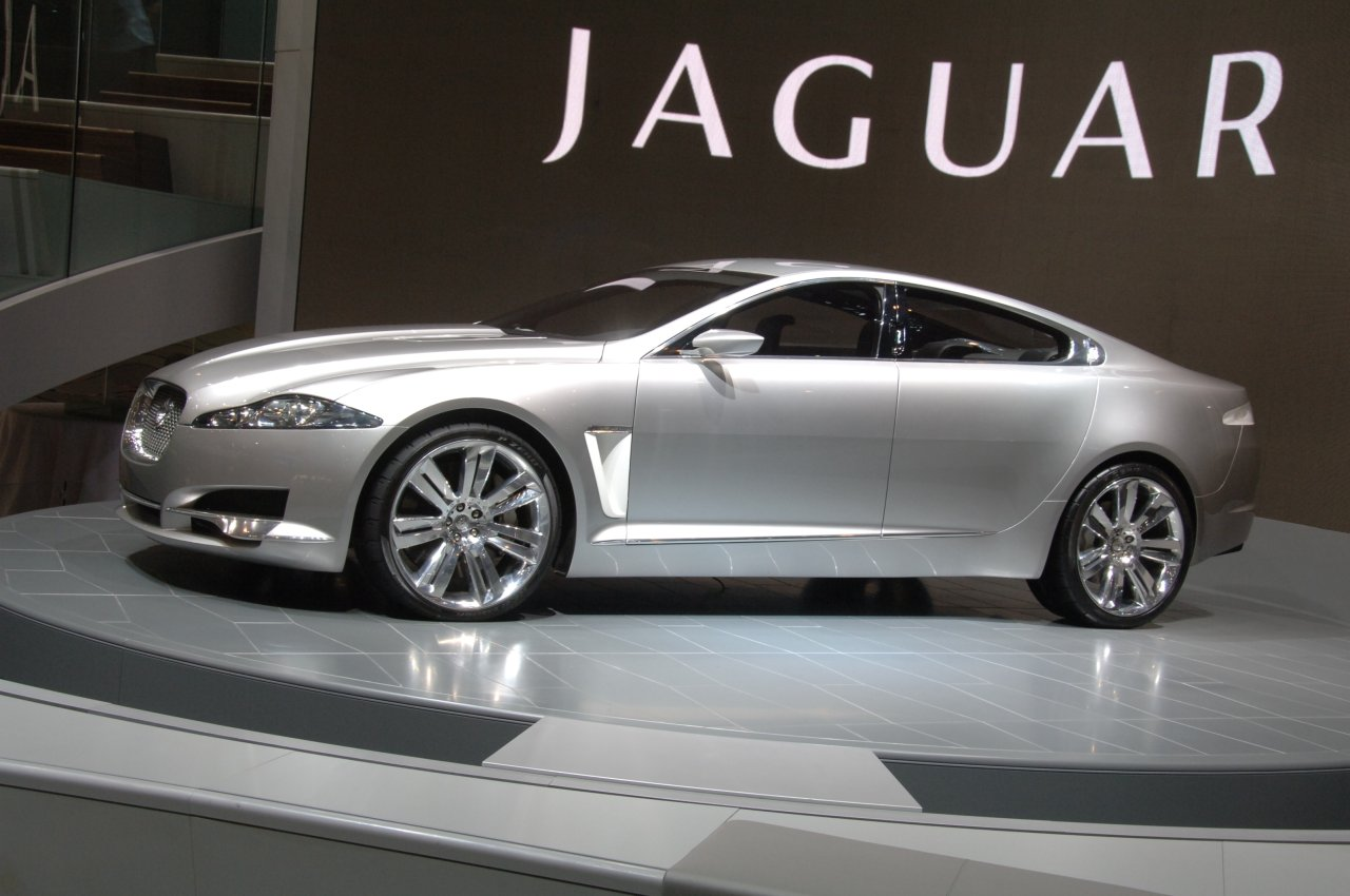 JAGUAR XF - Review and photos