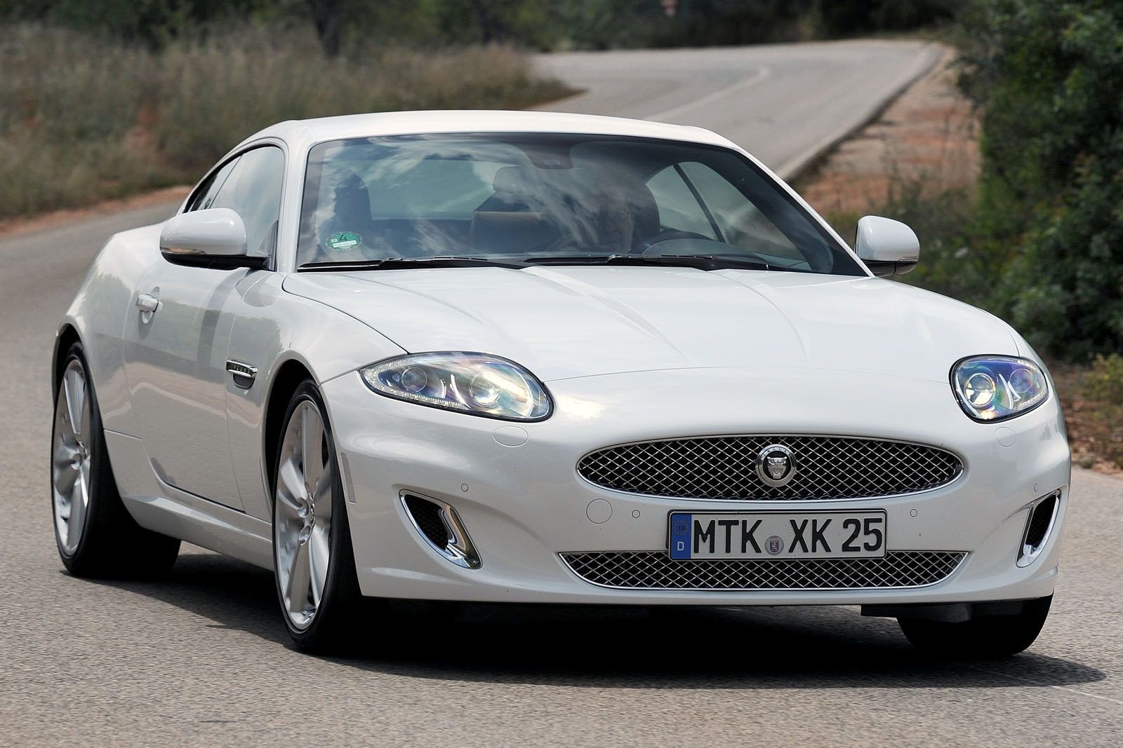 JAGUAR XK white