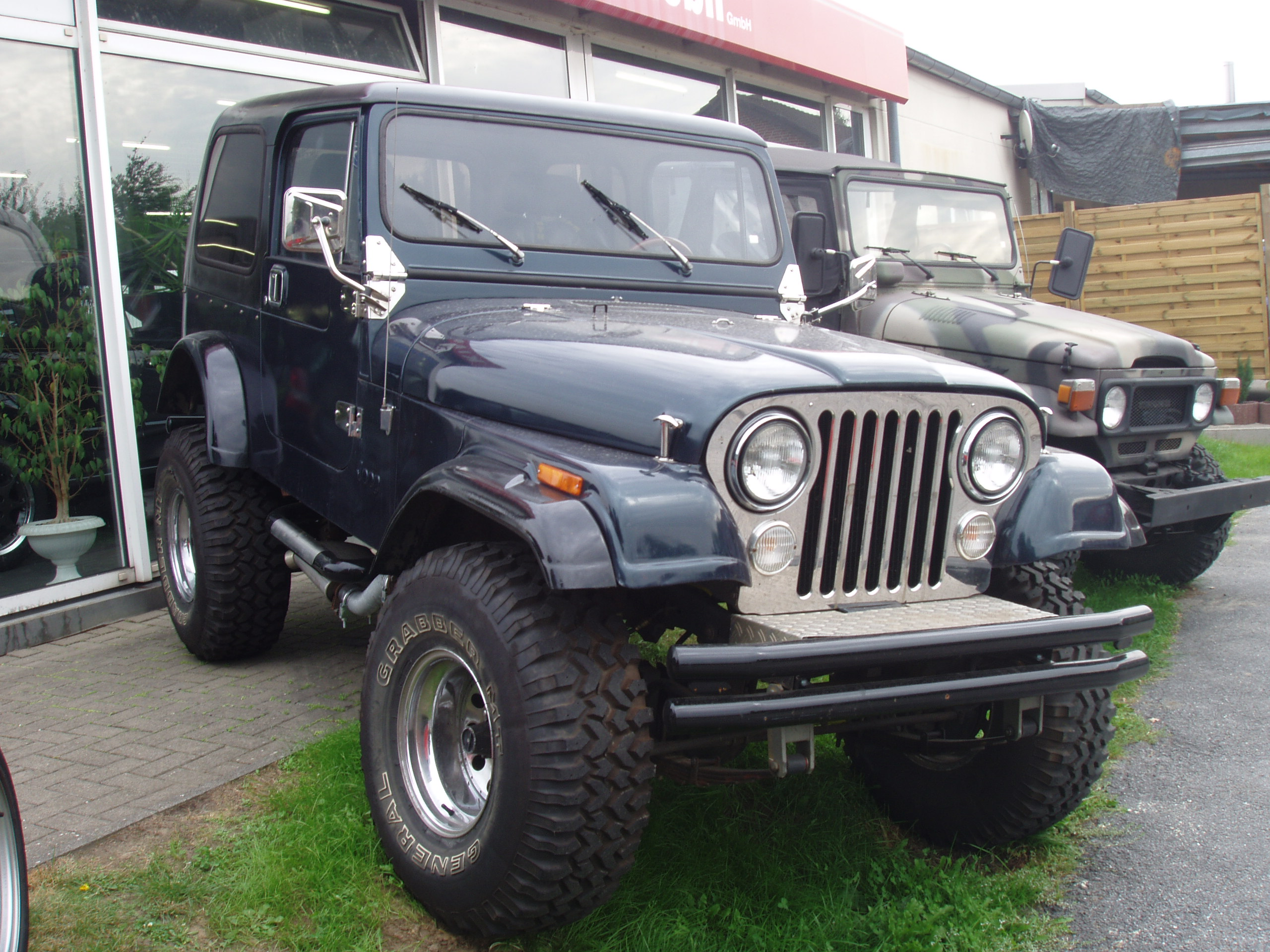 JEEP CJ 7 white