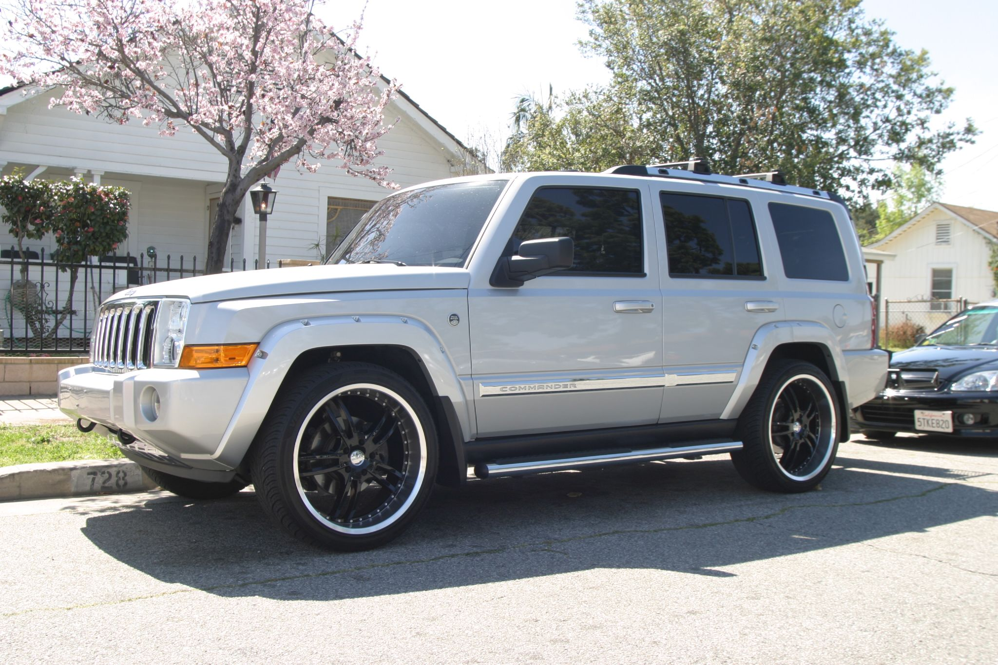 JEEP COMMANDER black