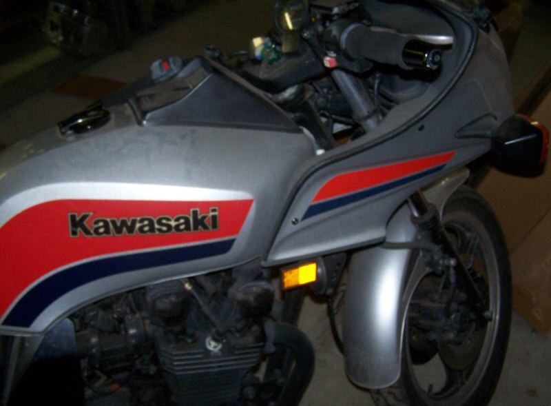 KAWASAKI 1100 silver
