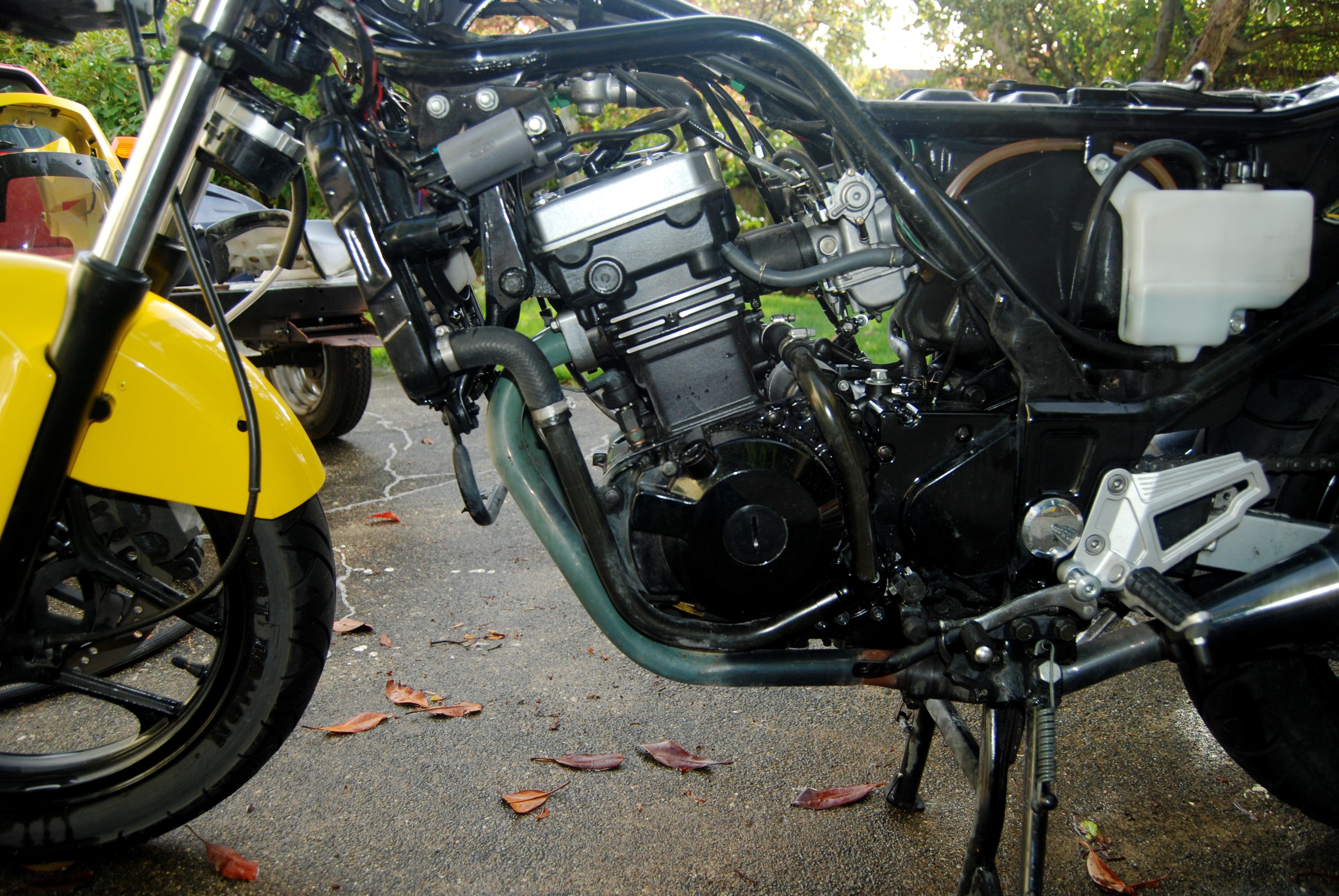 KAWASAKI 250 engine