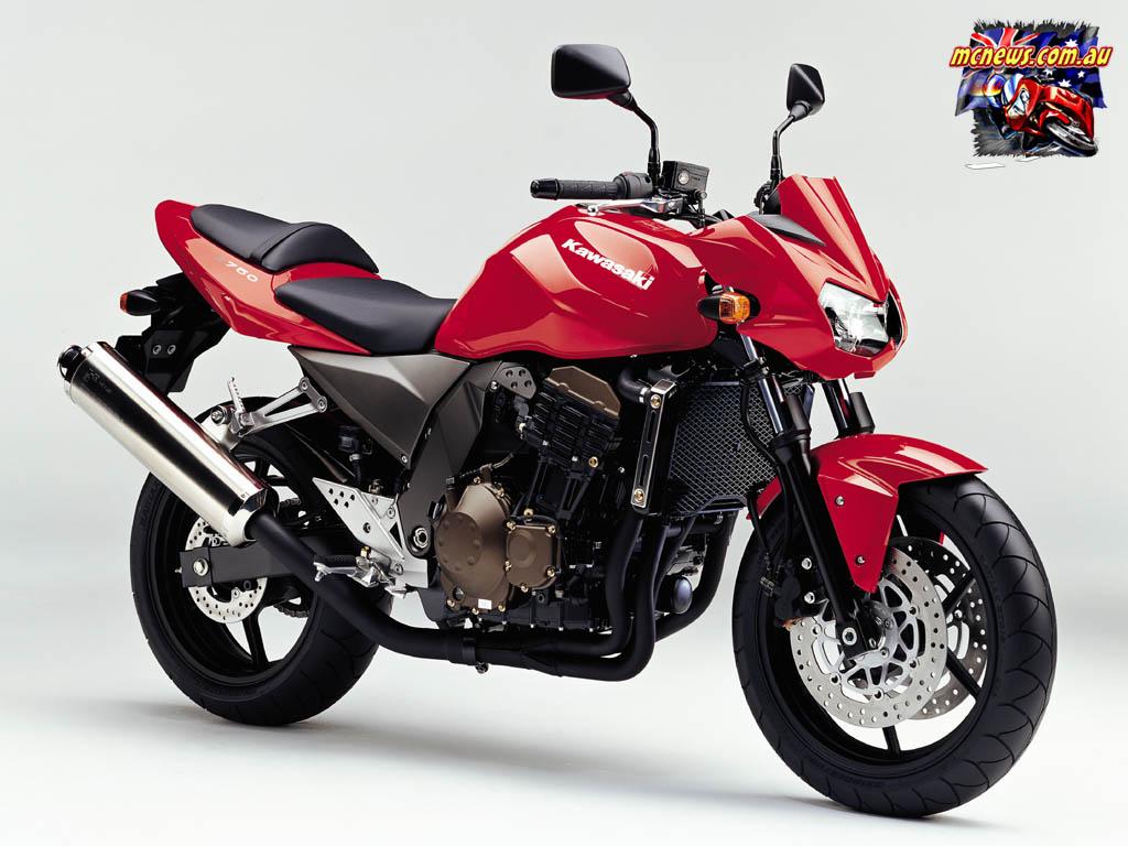 KAWASAKI 750 red