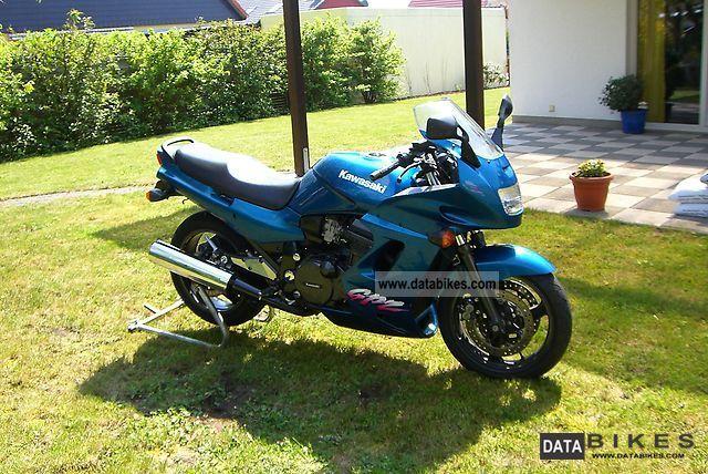 KAWASAKI GPZ 1100 blue