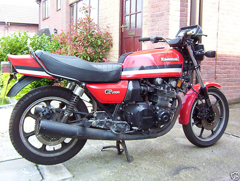 KAWASAKI GPZ 1100 brown