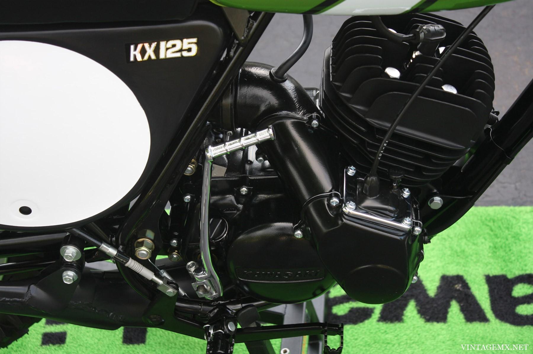 KAWASAKI KX 125 silver