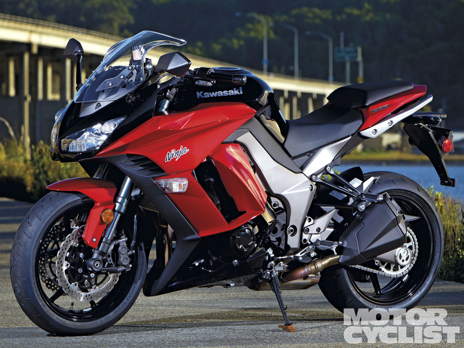 KAWASAKI NINJA 1000 - Review and photos