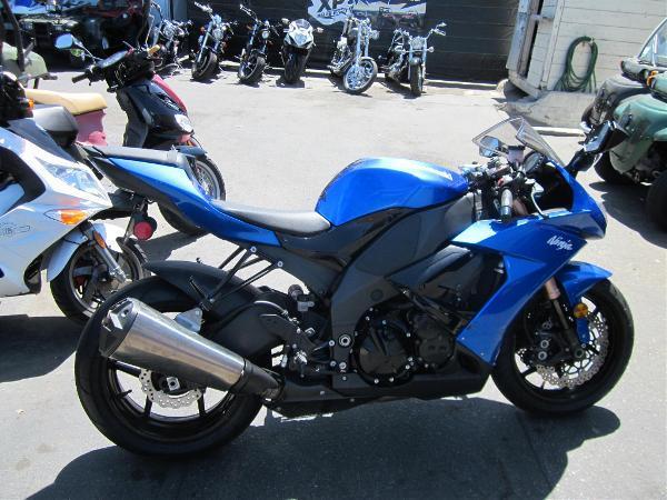 KAWASAKI NINJA ZX -6R blue