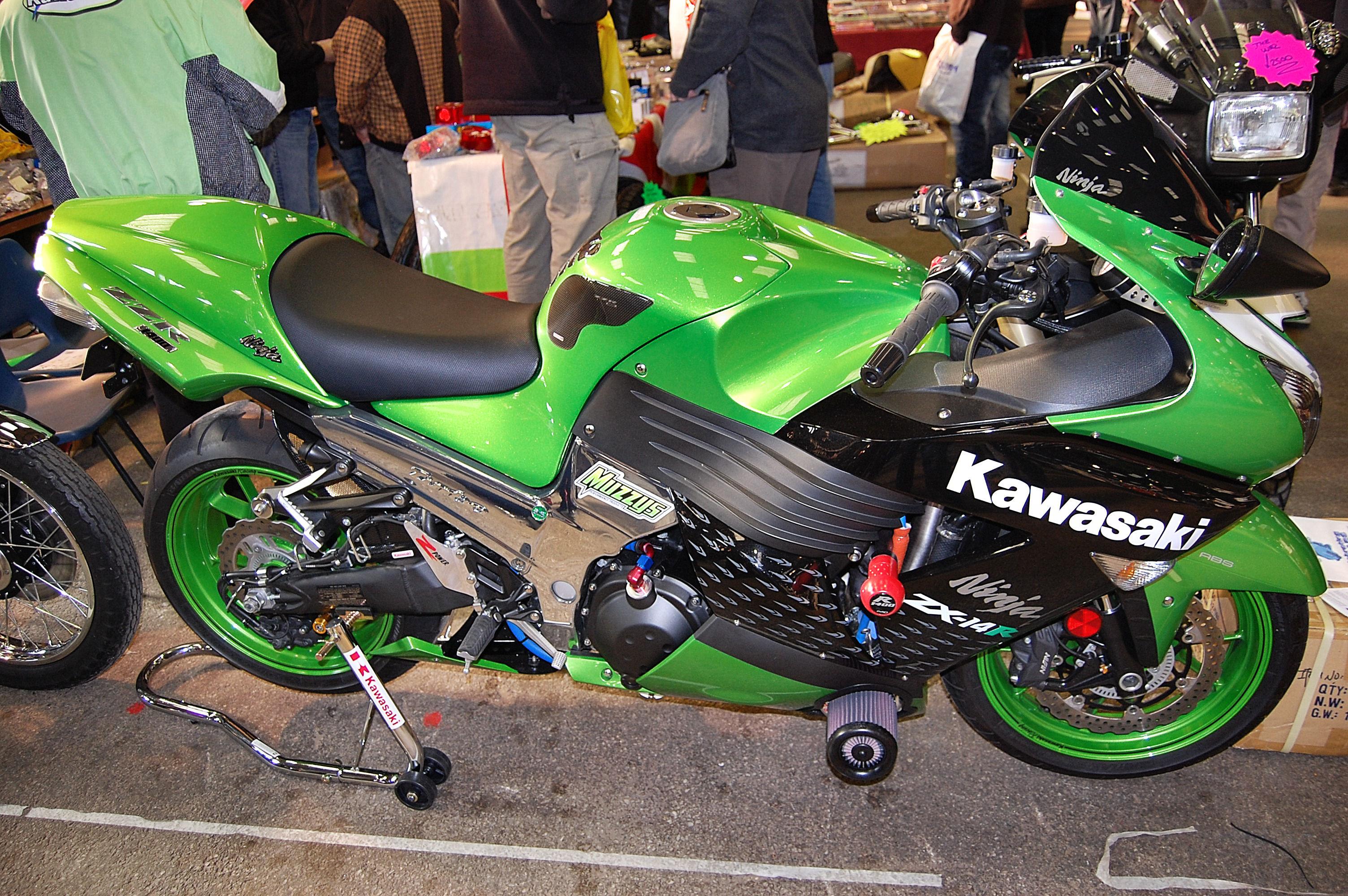 KAWASAKI NINJA ZX-14 green