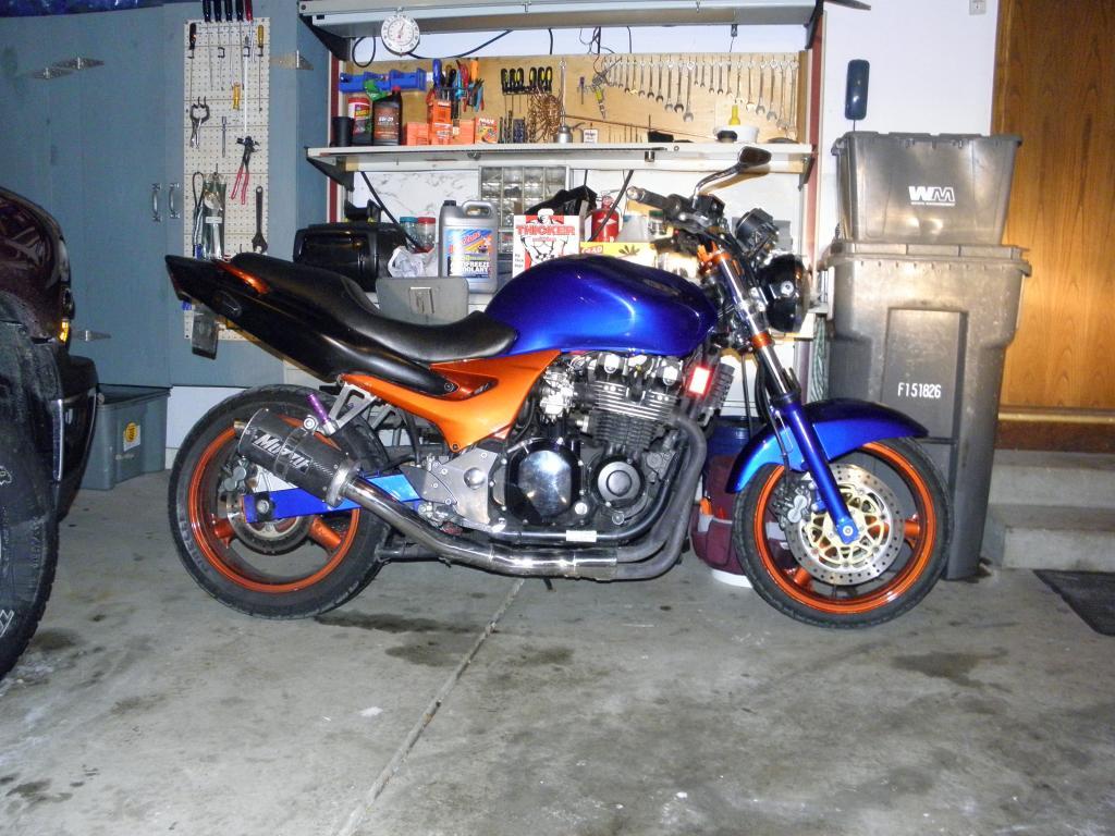 KAWASAKI ZR-7S black