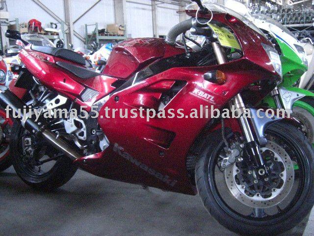 KAWASAKI ZRX 400 red