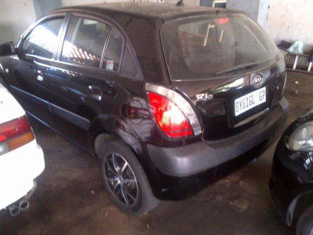 KIA RIO 1.4 black