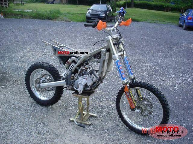 KTM 125 EXC red