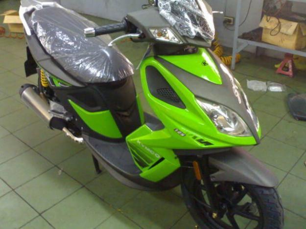 KYMCO SUPER 8 green