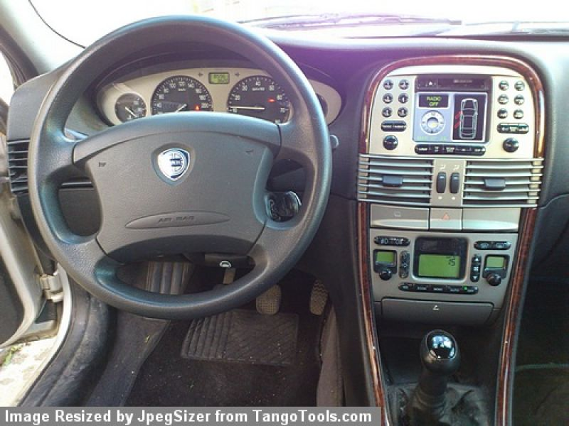 LANCIA LYBRA 1.8 interior