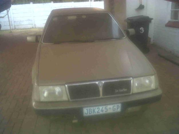 LANCIA THEMA 2.0 IE brown