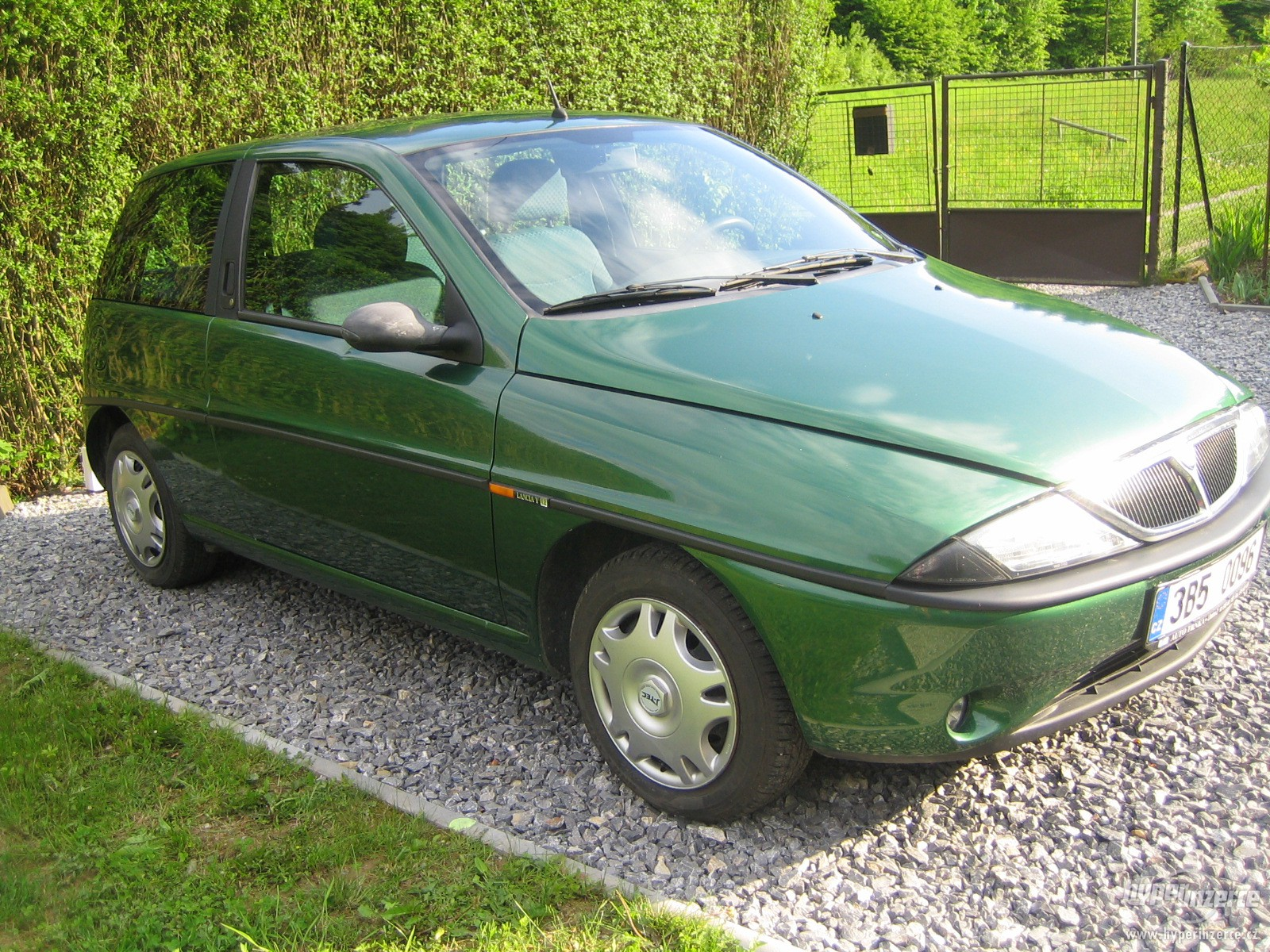 LANCIA YPSILON green