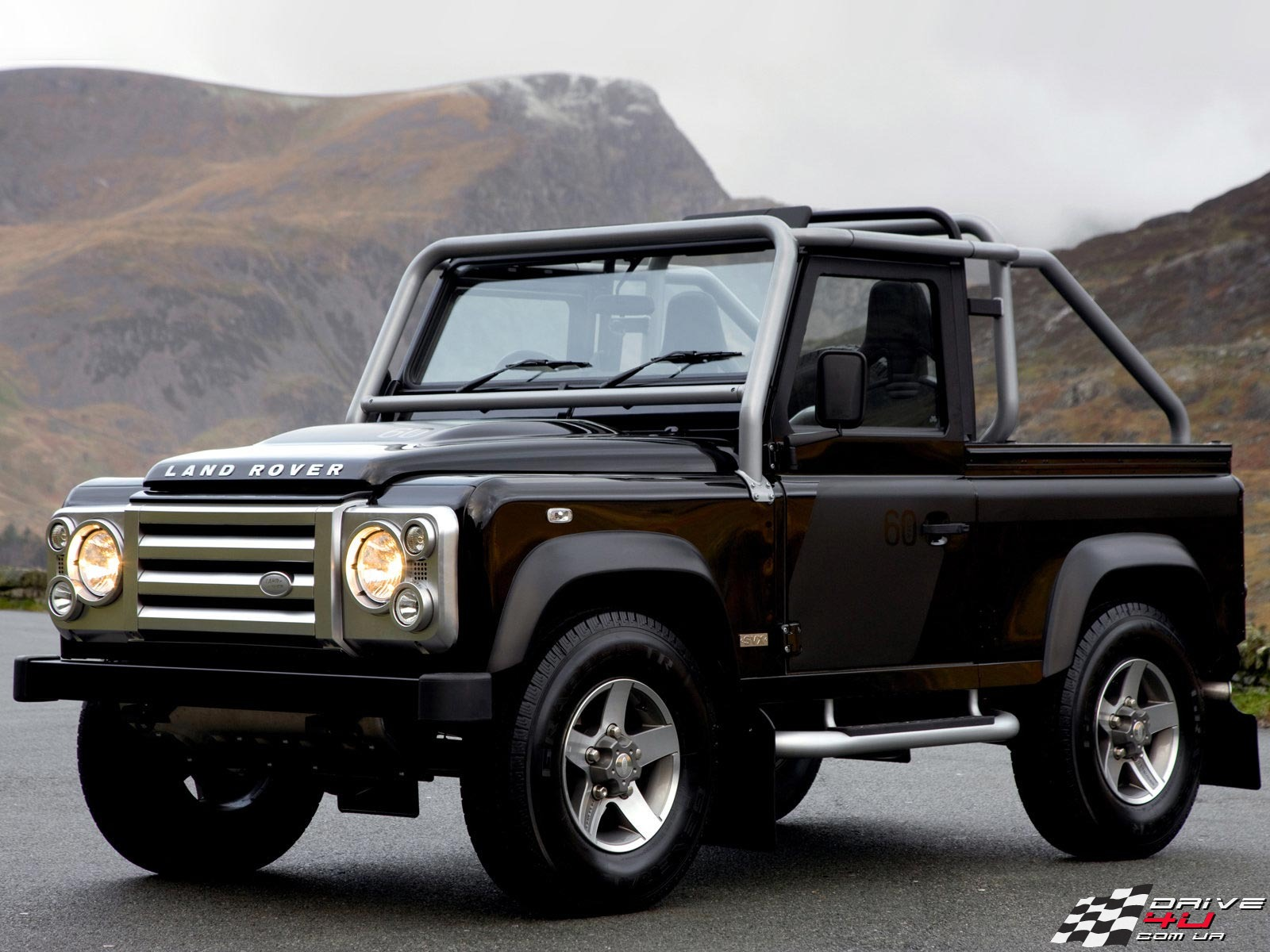 land rover defender review and photos. Black Bedroom Furniture Sets. Home Design Ideas