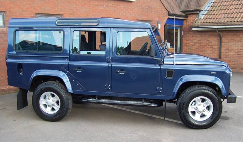 LAND ROVER 110 blue