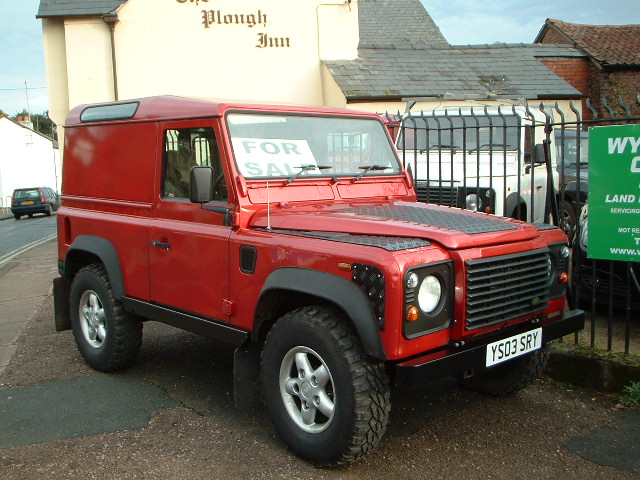 LAND ROVER 110 red