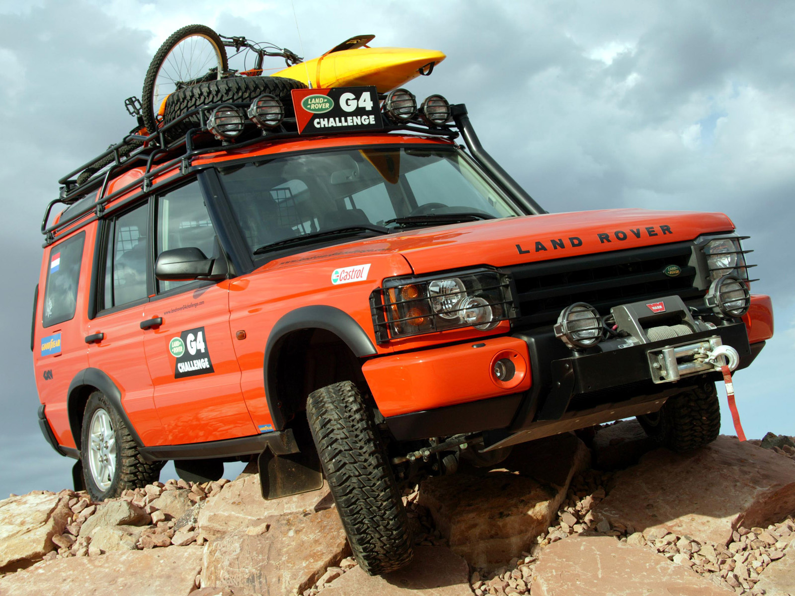 LAND ROVER DISCOVERY 2 G4 red