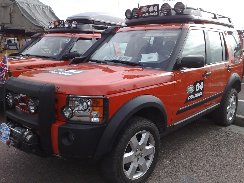 LAND ROVER DISCOVERY 2 G4 white