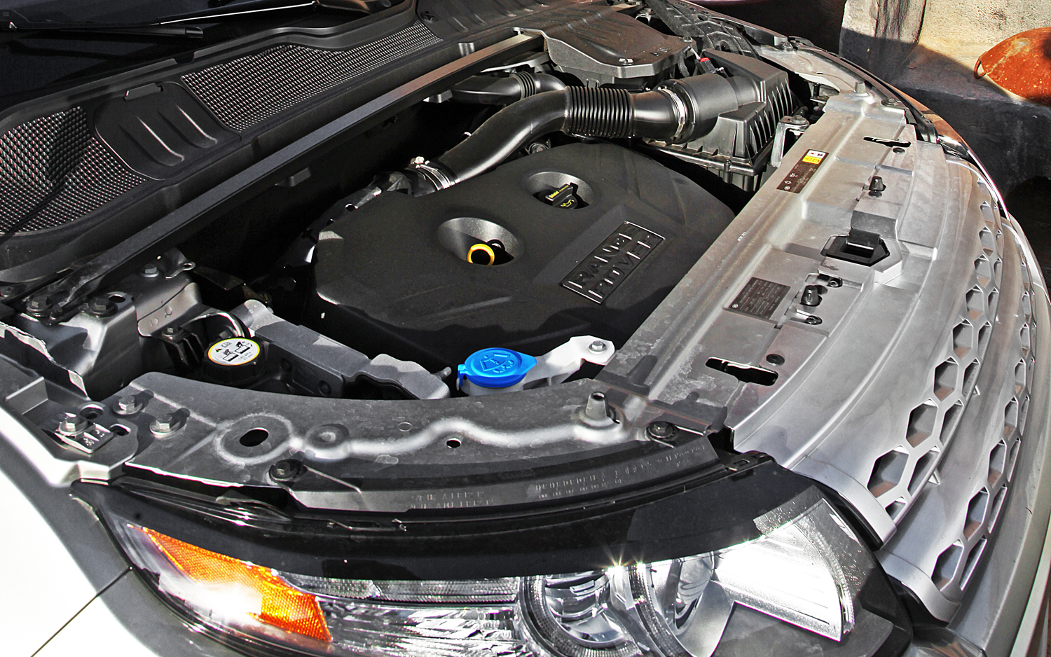 LAND ROVER RANGE engine