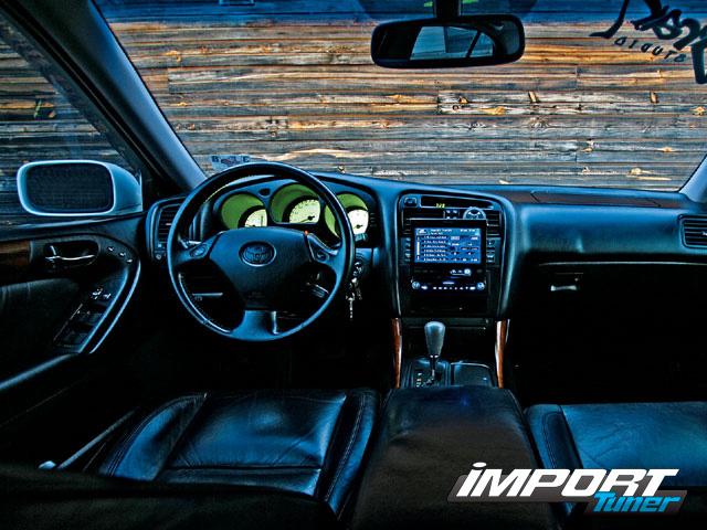 LEXUS 400 interior