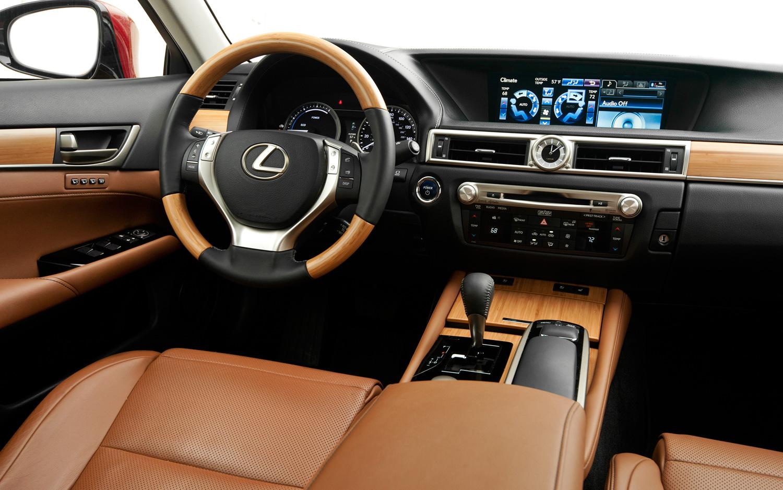 LEXUS GS interior