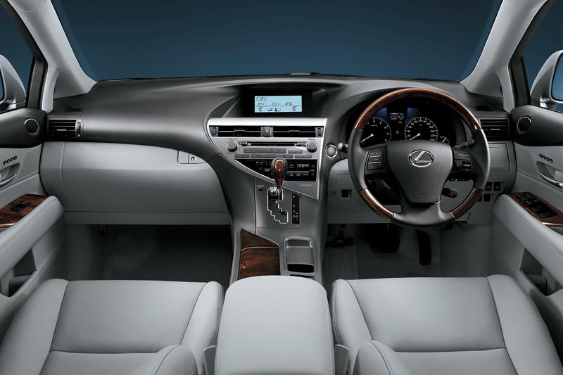 LEXUS RX 270 interior