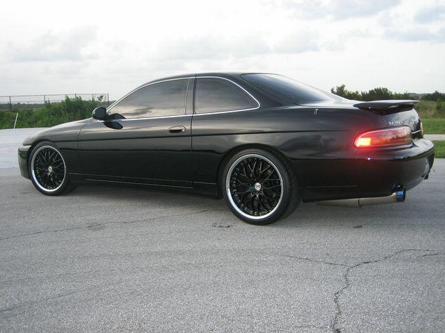 LEXUS SC 300 black