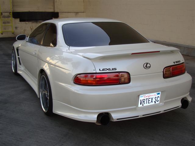 LEXUS SC 300 white