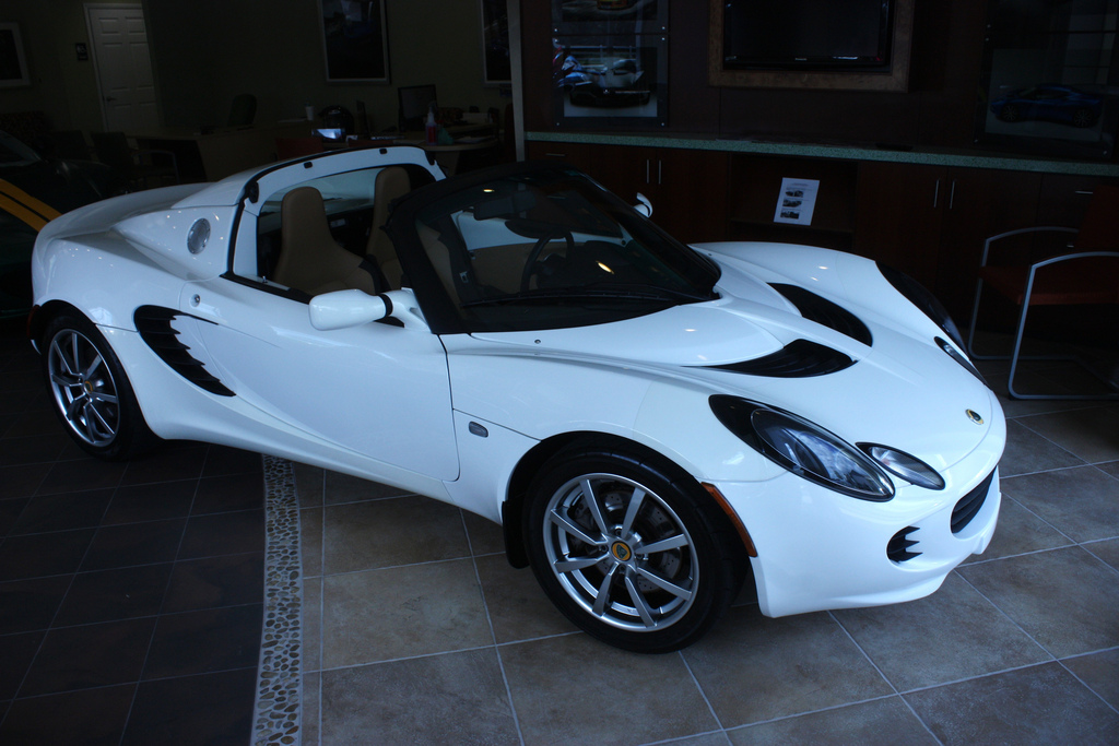 LOTUS ELISE - Review and photos