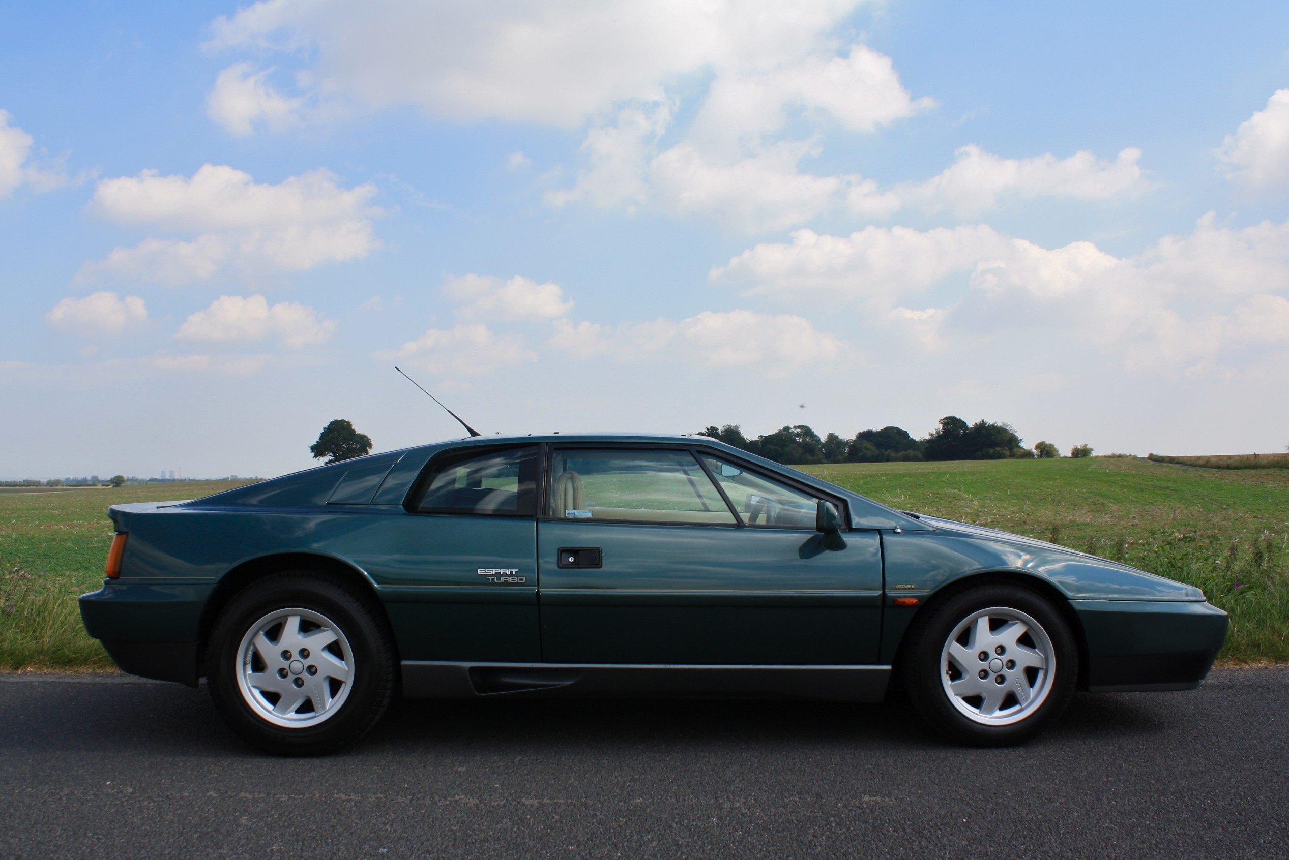 LOTUS ESPRIT green