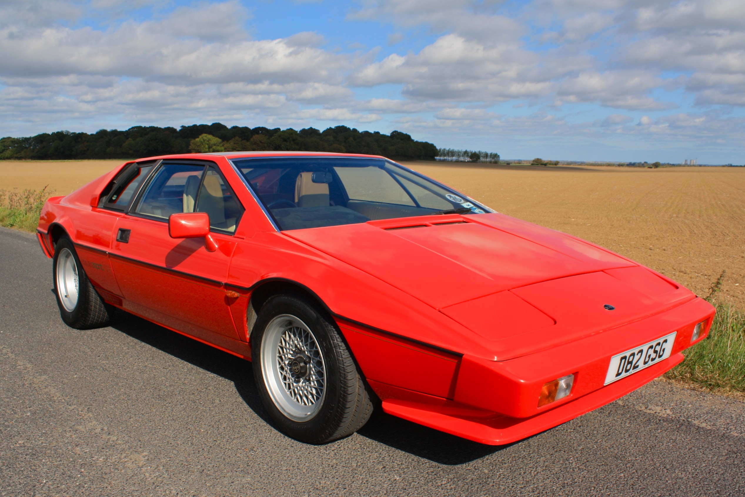 LOTUS ESPRIT red