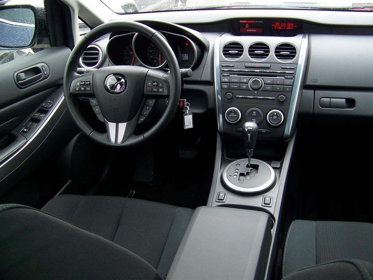 MAZDA CX-7 I interior