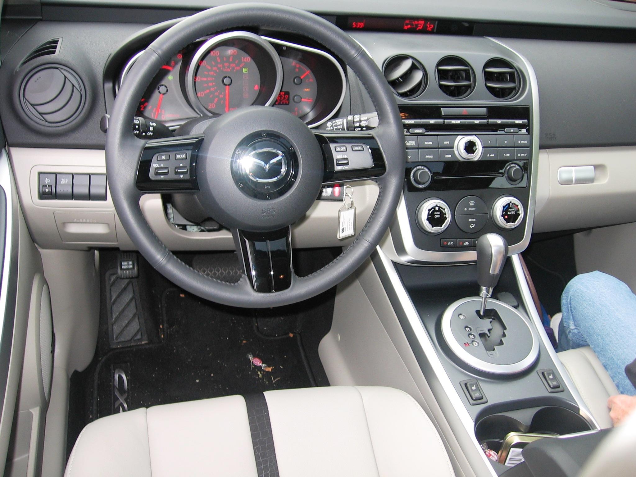 MAZDA CX-7 interior