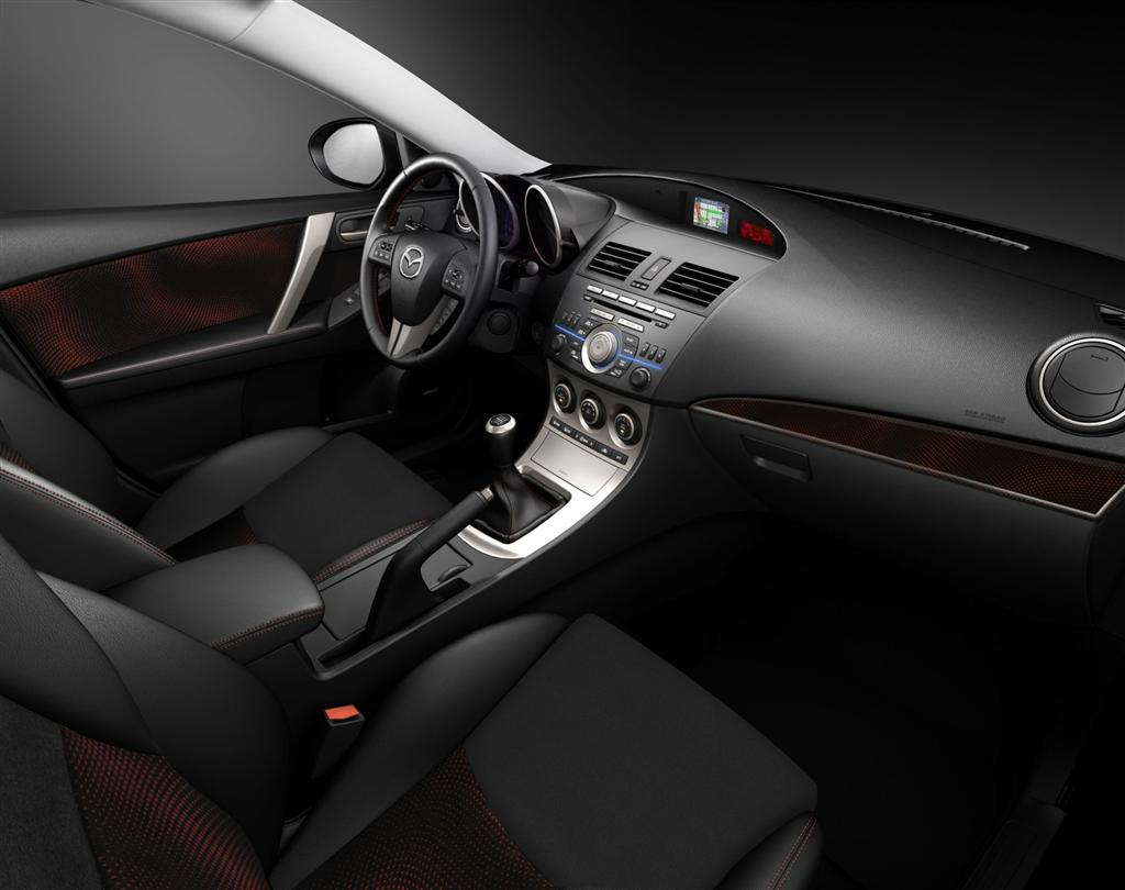 MAZDA MPV 2.3 interior