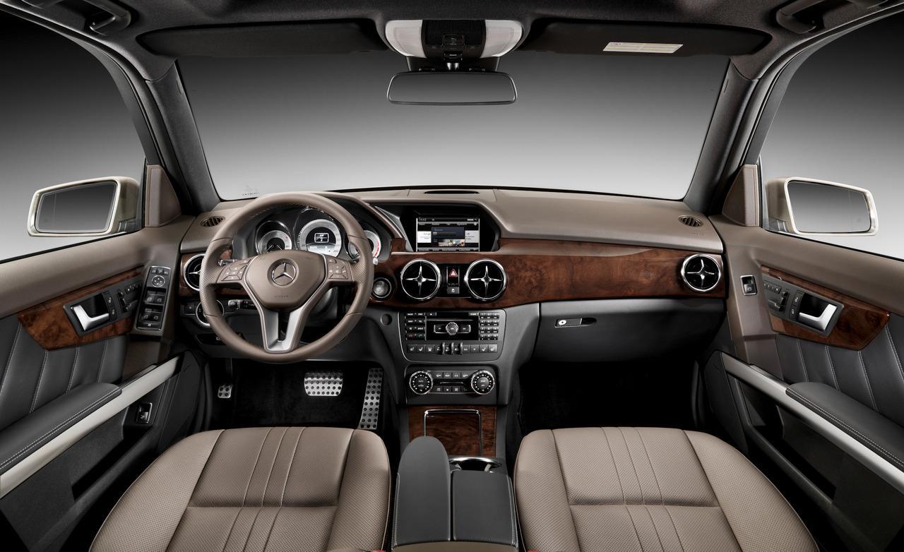 MERCEDES-BENZ 250 interior