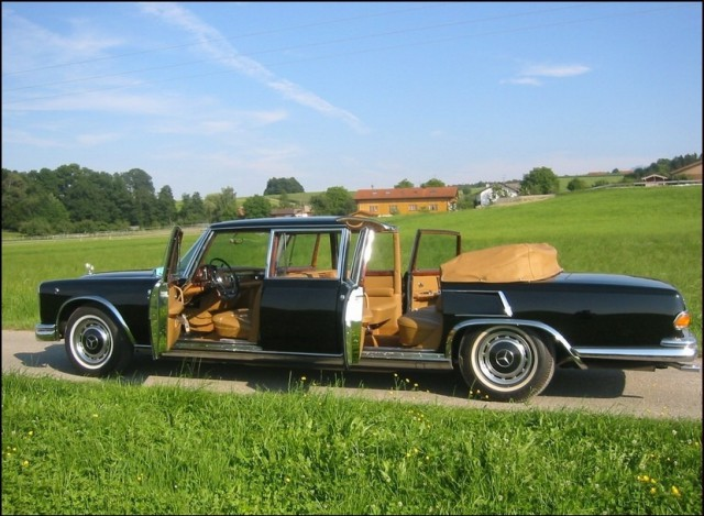 MERCEDES-BENZ 600 LANDAULET blue